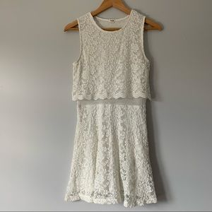 Garage white lace floral pattern sleeveless dress